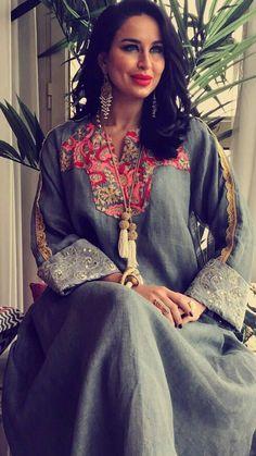 light linen abaya Arab Fashion, India Fashion, African Fashion, Caftan Dress, Dress Skirt, Mode Abaya, Arabic Dress, Abaya Designs, Oriental Fashion