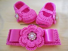 I love this unique pattern crochet baby blanket. Crochet Baby Sandals, Crochet Baby Booties, Crochet Shoes, Crochet Slippers, Crochet Clothes, Baby Shoes Pattern, Baby Patterns, Crochet Baby Blanket Beginner, Baby Knitting