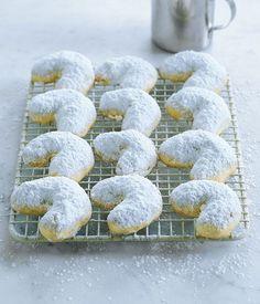 Austrlian Gourmet Traveller fast biscuit recipe for Kourabiedes (Greek walnut shortbread)