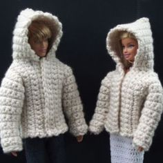 Crochet Dolls Clothes Free crochet pattern for a hooded jacket for Ken and Barbie dolls. The pattern is easy enough for an advanced beginner to master and can be crocheted up in a few hours. - FREE crochet pattern for a Hooded Jacket for Fashion Doll. Crochet Barbie Patterns, Barbie Clothes Patterns, Crochet Barbie Clothes, Crochet Dolls, Clothing Patterns, Crochet Cats, Crochet Birds, Knitted Dolls, Crochet Animals
