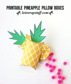 Printable pineapple gift boxes-such an cute way to wrap presents! DIY Pineapple Pillow Boxes make a perfect Pineapple Craft! Fruit Party, Luau Party, Luau Theme, Printable Box, Printables, Ideas Decoracion Cumpleaños, Pineapple Gifts, Pineapple Craft, Hawaian Party