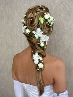 wedding hair with flowers, so cute!