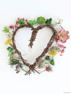 DIY Succulent Wreath Artificial Succulents, Faux Succulents, Door Wreaths, Grapevine Wreath, Succulent Wreath, Echeveria, Grape Vines, Diy Projects, Creative