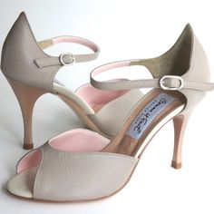 www.felinashoes.com Argentine Tango Shoes from Comme il Faut shoes. Beige (nude) leather stilettos. Sizes 4 (34), Size 5 (35), Size 6 (36), Size 7 (37), Size 8 (38), Size 9 (39), Size 10 (40), Size 11 (41)
