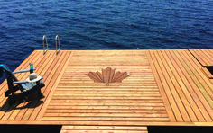 We love this cottager's patriotic dock