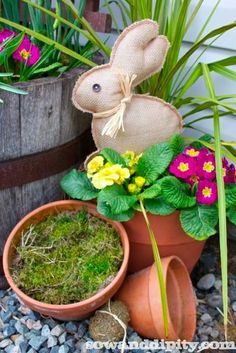 DIY easy to make burlap bunny... make it in just minutes!