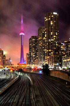 travelingcolors : CN Tower, Toronto | Canada (por Rajesh Bhattacharjee )