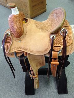 If saddle is currently not in stock, please allow 8-12 weeks for your New Custom Saddle to arrive. Constructed for a kids and young adults that needs the comfort and durability of a true using saddle.