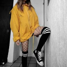 Hipster Outfits, Skater Girl Outfits, Edgy Outfits, Teen Fashion Outfits, Korean Outfits, Mode Outfits, Retro Outfits, Cute Casual Outfits, Converse Outfits