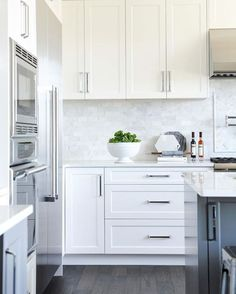 33 Dreamiest White Kitchen Backsplash Ideas