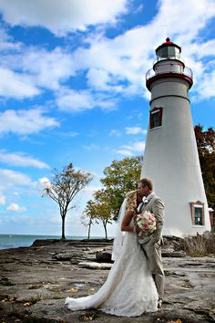Lake Erie wedding at Mon Ami Winery and Marblehead Lighthouse - October 2012