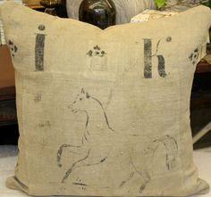 Pillow horse IK initials 3 fine grains trouvais