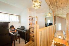 【アイジースタイルハウス】ピアノスペース。2階ホールからはピアノの音色♪