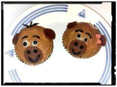 mes cupcakes au beurre de cacahuète la recette est dispo sur mon blog http://les-delices-de-tite-nanou.over-blog.com bonne visite