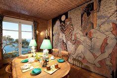 Villa Santo Sospir is a villa located in Saint-Jean-Cap-Ferrat, on the French Riviera. Decorated with frescoes by Jean Cocteau. Mural Art, Wall Murals, Art Walls, Chalet Chic, Villa, Jean Cocteau, La Rive, Chiavari Chairs, Ferrat