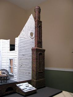A recap of the Heritage chimney from inspiration to scale reality! :D The original W E Masonry chimney as inspiration And the process from start to finish with a foam core, wood and cardboard base topped with egg carton brickwork. Haunted Dollhouse, Diy Dollhouse, Dollhouse Miniatures, Miniature Houses, Miniature Dolls, Miniature Furniture, Dollhouse Furniture, Doll House Plans, Dollhouse Tutorials