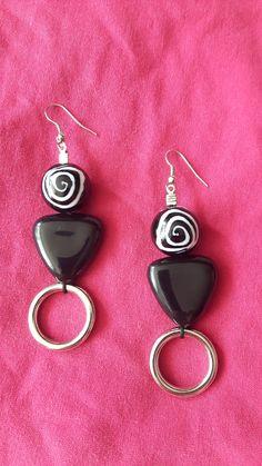 Handmade earrings. Black and white
