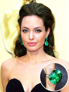 Angelina Jolie wearing 115-carat Colombian emerald earrings & matching 65-carat ring by Lorraine Schwartz at the 2009 Academy Awards. Amazing!!!