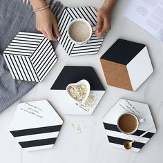 Black and White Hexagon Cork Placemats Set,Mordern Minimalist Large Coasters Plact Mats,Hot Pot Cup Holders for Dining Table Setting – Tableware Design 2020 Hot Pads, Clay Crafts, Diy And Crafts, Vase Deco, Cork Wood, Modern Placemats, Diy Coasters, Table Coasters, Woodworking Crafts