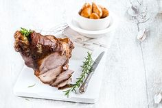 Pork leg with honey, mustard, orange and melted potatoes Greek Recipes, New Recipes, Holiday Recipes, Dinner Recipes, Recipies, Christmas Recipes, Pork Leg, Roasted Meat, Food Categories