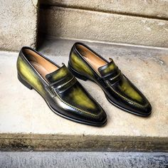 Altan Bottier Artisans Bottiers à Paris Oxfords, Loafer Shoes, Loafers Men, Hot Shoes, Men's Shoes, Shoes Men, Monk Strap Shoes, Business Casual Men, Mens Slippers