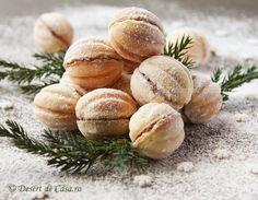 Nuci umplute cu gem de prune - amintiri din copilarie !!! Un desert iubit de toate varstele - perfecte pentru masa de Craciun ! Nutella, Romania Food, Romanian Desserts, Easy Sweets, Christmas Desserts, Christmas Cookies, Cupcake Cakes, Cupcakes, Cravings
