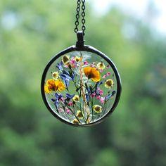Resin Jewelry, Glass Jewelry, Jewlery, Making Resin Jewellery, Resin Necklace, Pendant Jewelry, Earrings, Do It Yourself Jewelry, Terrarium Necklace