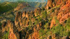 Volcanic-slopes-in-Pinnacles-National-Park-California-20160826.jpg (1366×768)