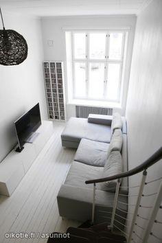 Myytävät asunnot, Mariankatu 19, Helsinki #oikotieasunnot Little Houses, Helsinki, Small Spaces, Homes, Tiny Houses, Houses, Small Homes, Home, Computer Case