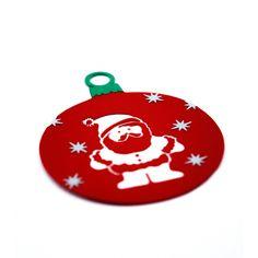 Handmade Christmas ornaments made by applying multiple layers of cardboard. Handmade Christmas Gifts, Christmas Decorations, Christmas Ornaments, How To Make Ornaments, Creative Art, Cards, Layers, Design, Handmade Christmas Presents