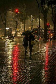 Rainy Day by Camilo Ara. Cozy Rainy Day, Rainy Night, Rainy Mood, Rainy Weather, Walking In The Rain, Singing In The Rain, Rain Photography, Street Photography, Rainy Day Photography
