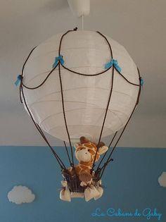 Cet abat-jour montgolfière sera parfait pour décorer la chambre de bébé. Cadeau de naissance ou de noël original !