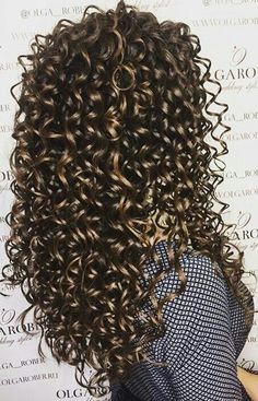 Super Hair Styles Natural Wavy Hair Tips Ideas Wavy Hair Tips, Curly Hair With Bangs, Natural Wavy Hair, Curly Hair Styles, Natural Hair Styles, Short Hair, Coiffure Hair, Permed Hairstyles, Curly Haircuts
