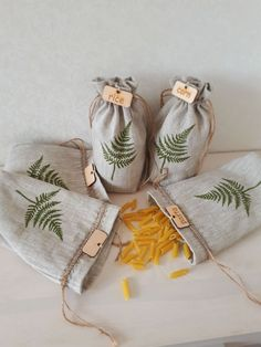 Set of 5 linen bags for cereals. Sustainable bags for cereals. Zero waste food s Food Storage, Cereal Storage, Wooden Tags, Eco Friendly Bags, Linen Bag, Zero Waste, Sewing Projects, Sewing Tutorials, Print Design