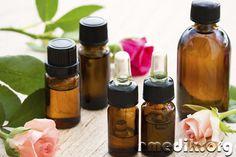 Эфирные масла незаменимы при борьбе с целлюлитом. Они входят в состав престижных косметических антицеллюлитных средств, их используют дома для приготовления лечебных смесей.