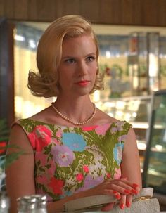 January Jones as Betty Draper, hair, lipstick, dress and nails. Betty Draper, Retro Hairstyles, Party Hairstyles, Vintage Gowns, Vintage Men, Pink Lipstick Makeup, Wedding Party Hair, Men Tv, Old Hollywood Style