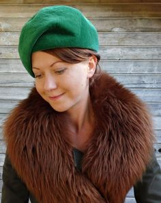 Vintage 1930s Emerald Green Beret by tomacrafts on Etsy, €20.00