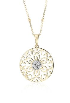 Beautiful as it is chic, this vintage-inspired pendant feature round brilliant diamonds framed in 14k yellow gold with a matching fancy link chain.