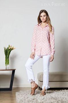 Нежно-розовая блузка в крупный горох