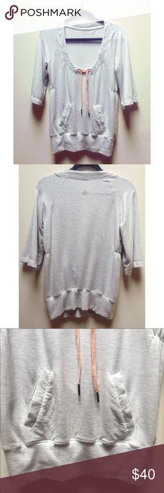 ☀️EUC Lululemon Half Sleeve Gray Sweatshirt Top Rare Lululemon Athletica Half Sleeve Scoop Neck Heather (Heathered) Gray (Grey) Sweatshirt, neck tie, estimated to be a size 4 or 6, in excellent used condition, lululemon athletica Tops Sweatshirts & Hoodies