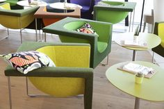 How do you like this casual interior with green and lime STUA Nube armchairs? This is the Vienna University campus by Zaha Hadid. NUBE: www.stua.com/eng/coleccion/nube.html