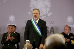 "BLOG ÁLVARO NEVES ""O ETERNO APRENDIZ"" : VÍDEO - PARA O MINISTRO DA DEFESA O ATO DO PRESIDE..."