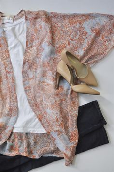 I love this kimono and the fact that it's not too long. I'd like to try one in next Stitch Fix.