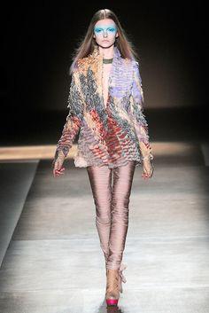 Valentino Spring 2010 Couture Fashion Show - Kamila Filipcikova