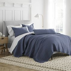 Under the Canopy Essential Dash Organic Quilt Color: Blue, Size: Full/Queen Ruffle Bedding, Quilt Bedding, Single Quilt, White Duvet, Blue Quilts, Bed Sizes, Quilt Sets, Comforter Sets, Canopy