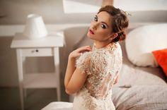 Wedding dress Olivia by YolanCris from www.celebritybridalexclusive.pl  #oliviabyyolancris #yolancris #autumnweddinginspirations #autumnintuscany #bemyvalentinepl #weddingalchemybyvalentina