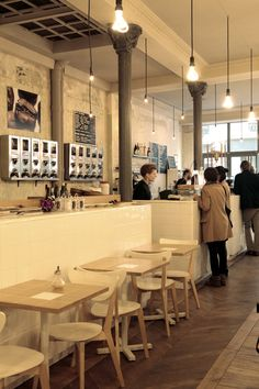 coutume.jpg 600×900 pixel coffee shop near le Bon Marche 47 rue de babylon Cafe coutume