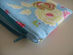 Lined, zippered pouch tutorial **Add a shoulder strap and a front pocket, and you've get a little girls' purse