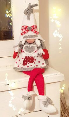 Gnometta natalizia in pannolenci - felt Christmas gnome - Duendencita de Navidad