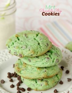 Mint Chocolate Chip Cookies -- this simple and yummy recipe starts with a cake mix!!